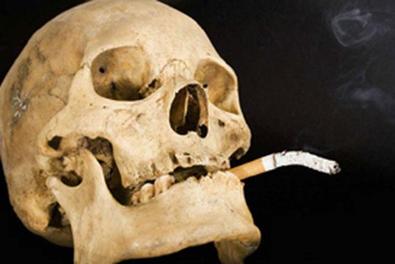 【ニュース】パチンコ業界に激震、全面禁煙確定 「床面積30m2以下のみ除外」で自民党合意
